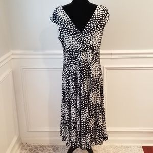 (NWOT) Trendy All Occasion Dress👗